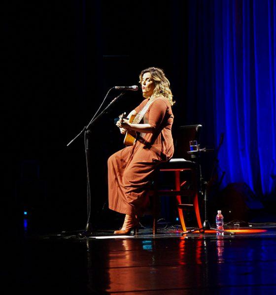Isabella Taviani: Sucessos num show especial no Rio