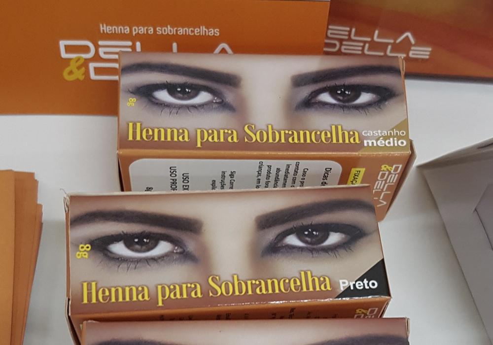 Della & Delle – Henna para sobrancelhas