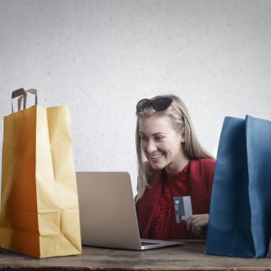 Como economizar na quarentena: 5 modos de economizar comprando online: